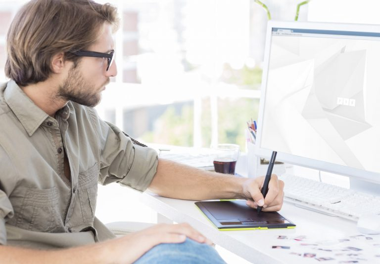 В чём заключается работа в дизайнерской студии