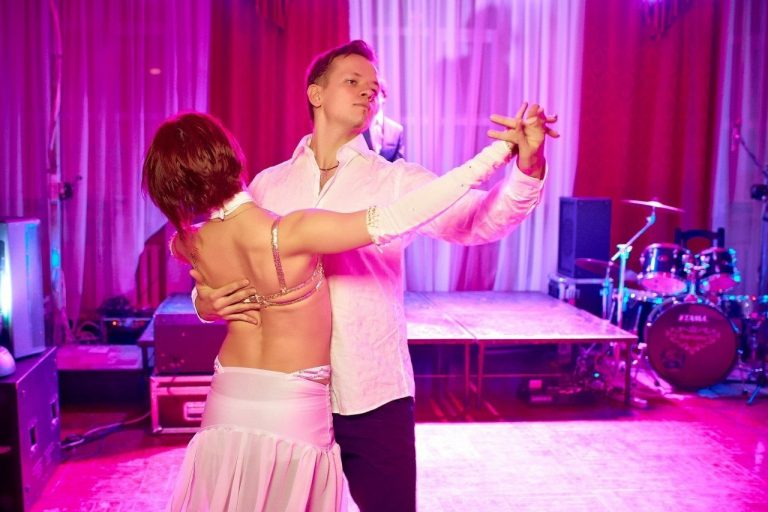 Особенности профессии преподавателя бальных танцев