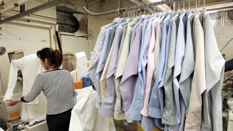 Старая одежда превращается в новую, благодаря химчистке в Киеве